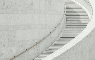 На программе LIFT вы обретете необходимое время и ресурсы для изучения себя и последующей трансформации. Путь, который вы пройдете, поможет высвободить внутреннюю энергию, необходимую для укрепления лидерской позиции.  Постройте мост между «знать» и «делать». Обеспечьте себя временем и пространством, чтобы осознать, что действительно важно для вашего бизнеса, команды и других аспектов жизни.