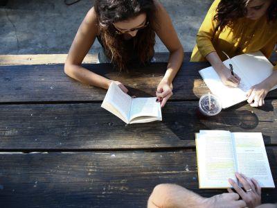 Есть ли жизнь после обучения? В университетах и не только!