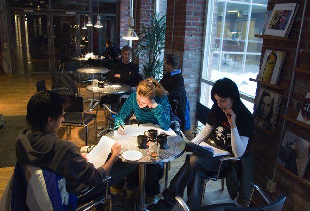 Дизайн студенческого кафе разрабатывал собственник— Студенческий союз.Chalmers