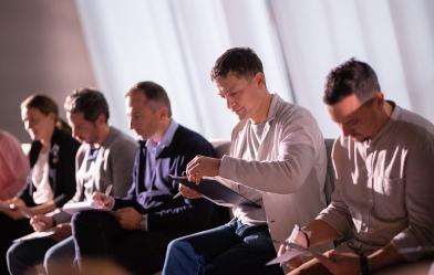 В преддверии пятого класса программы «Лидеры как преподаватели» ее наставники Евгений Каганер и Евгения Овасапян расскажут, как уже состоявшиеся руководители могут стать еще более заметными в профессиональном сообществе.