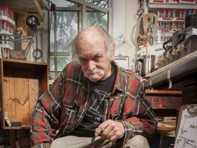 Джо Дэвис: «Несмотря на все законы физики, я застрял в будущем»