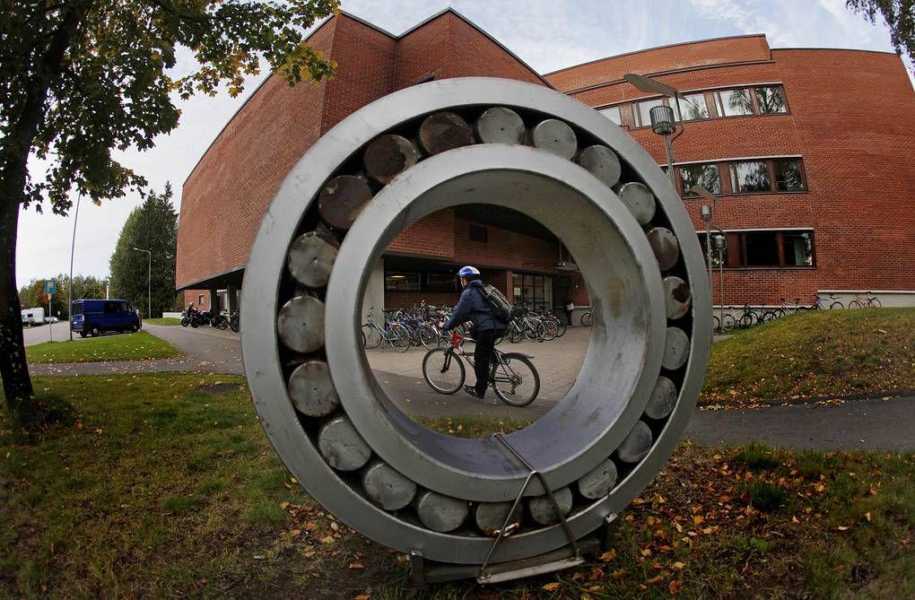 Кампус Университета Аалто в Хельсинки. REUTERS, Bob Strong