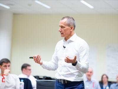 Чему учат кризисы? Объясняет президент бизнес-школы СКОЛКОВО Андрей Шаронов