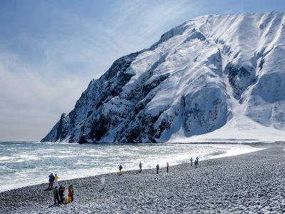 Студенты на вулкане: зачем СКОЛКОВО возит слушателей MBA на Камчатку