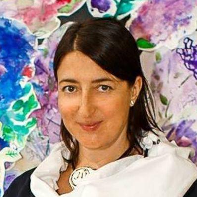 Юлия Вешникова