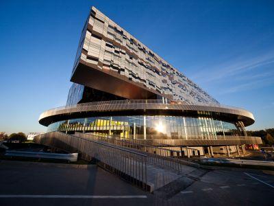 Бизнес-школа СКОЛКОВО собрала данные для рейтинга мировой конкурентоспособности стран IMD
